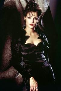 Famke Janssen在《黃金眼GoldenEye》(1995)飾演Xenia Onatopp。