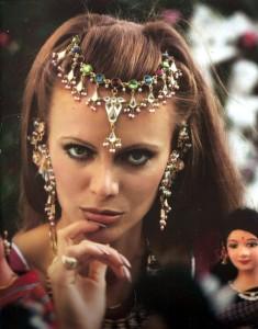 Kristina Wayborn 在《八爪女Octopussy》(1983)飾演Magda。