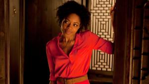 Naomie Harris在《空降危機Skyfall》(2012)飾演Miss Moneypenny(Eve),續作《惡魔四伏Spectre》(2015)也有她的倩影。