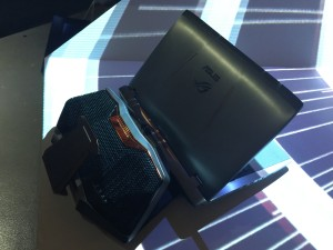 全球首款水冷式電競筆電ROG GX700