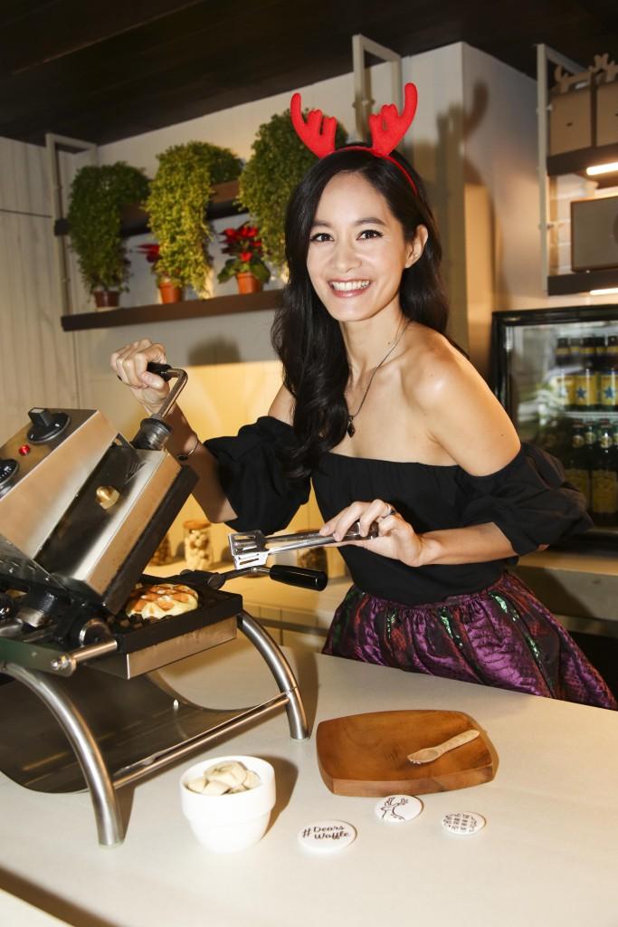 Janet 謝怡芬親手製作香蕉巧克力鬆餅(1)