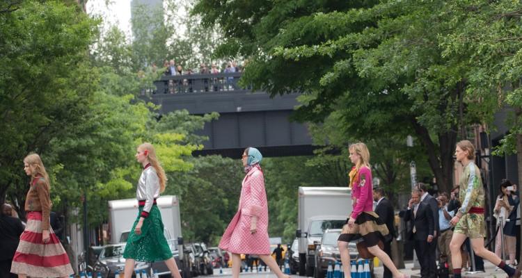 Gucci 於紐約舉辦 2016 早春服裝秀.