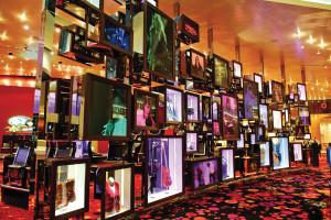 正如全世界各分館,澳門的Hard Rock Hotels同樣蒐集了來自世界各地明星的衣著帽履和招牌樂器。
