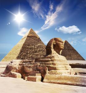 位於吉薩區的人面獅身像與金塔群,是埃及歷久不衰的精神象徵。