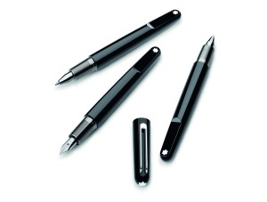 (左至右)萬寶龍M系列鋼珠筆,萬寶龍M系列鋼筆,萬寶龍M系列原子筆