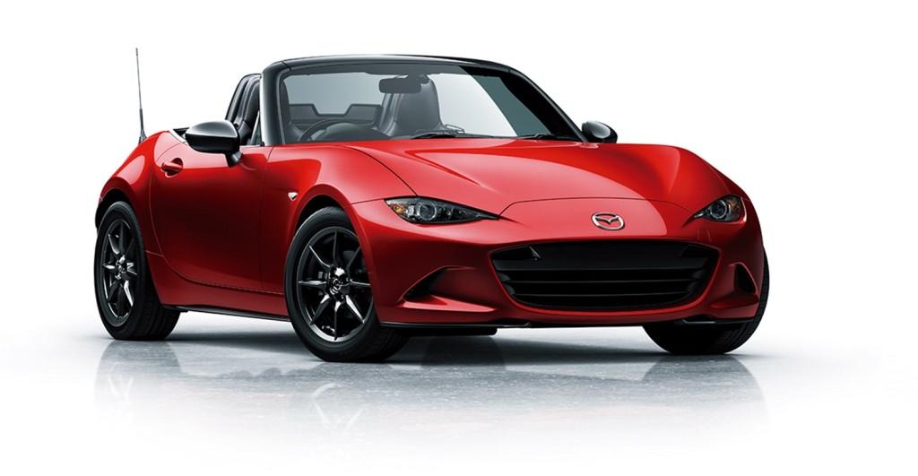 (Mazda)第四世代MX-5持續堅持簡單、輕量化的造車理念。採用160匹的Skyactiv-G 2.0汽油引擎、6速手自排變速箱,以均衡設定帶來高度樂趣。