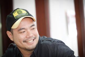 鄭光廷 FlyingV執行長 從小在美國長大,大學專攻電腦。2003年因工作搬回台灣定居,2011年7月與林弘全共同創辦FlyingV,經幾年的蓬勃發展,他也成為台灣群眾募資的最佳代言人。