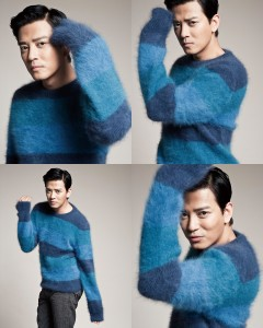 雙色毛衣_$51,000、灰長褲_$48,300 by Louis Vuitton。