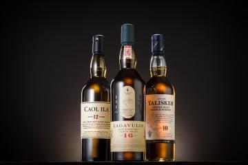 帝亞吉歐 海島之最 Best of the Isles 單一麥芽威士忌系列_形象照_左起為卡爾里拉12年蘇格蘭單一麥芽威士忌、樂加維林16年蘇格蘭單一麥芽威士忌、泰斯卡10年蘇格蘭單一麥芽威士忌