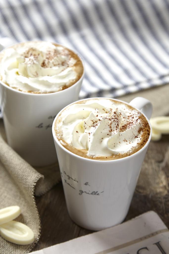 白巧克力拿鐵咖啡