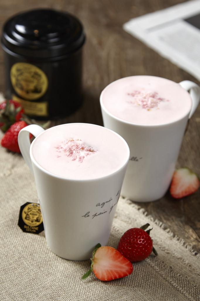 草莓風味鮮奶茶