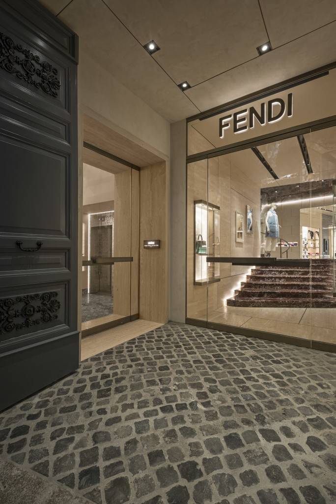 01_FENDI PRIVATE SUITES_entrance