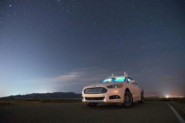 FORD實驗車輛成功於伸手不見五指的夜晚自動駕駛。