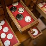 起居室隔壁的製錶工坊將亨利•慕時先生製錶的場景重新呈現, 讓人彷佛和他身在同一個時代,目睹一個製錶傳奇的誕生