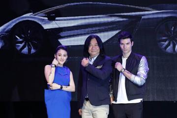 Bell & Ross亞洲總經理湯志偉先生(中) 與品牌引言人 鳳小岳、宋紀妍合影。