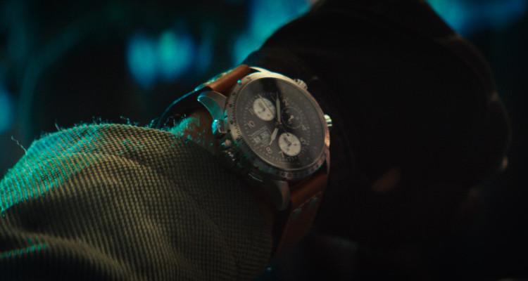 《ID4星際重生》男主角連恩漢斯沃佩戴X-Wind飛行員豪邁風采
