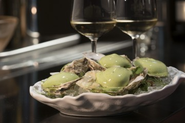 Alexander's Steakhouse Taipei 亞歷山大牛排台北店推出「夏日限定 OYSTER FRIDAYS 週五生蠔夜」活動