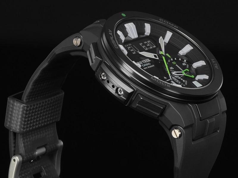 CASIO PRO TREK_PRW-7000-1A 碳纖維橡膠錶帶 提升整體錶帶耐用性