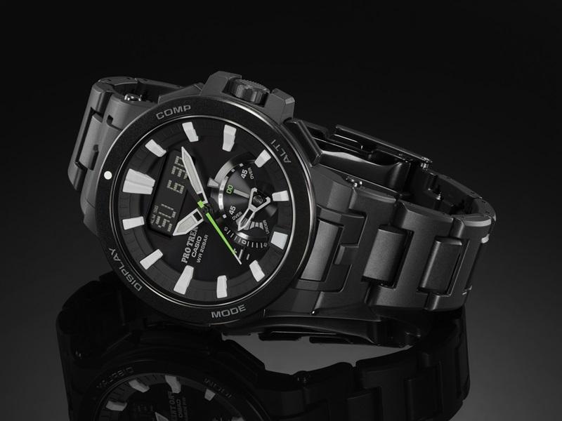 CASIO PRO TREK_PRW-7000FC-1_強化橡膠結合金屬的複合式錶帶