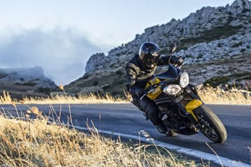 TRIUMPH Speed Triple R 形象圖2