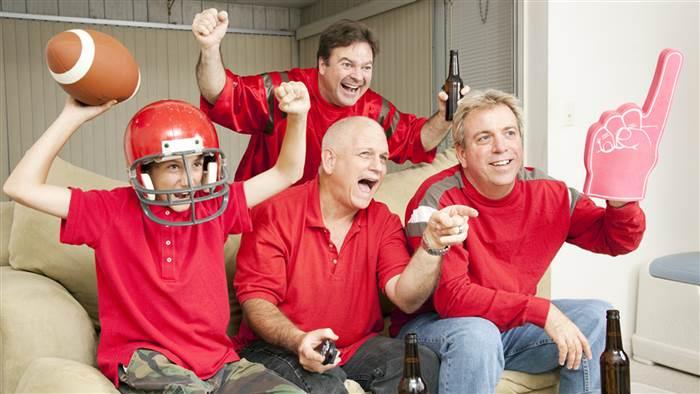 men-livingroom-watch-sports-stock-today-150610-tease_ebacd3a9a1f4dc8506a91e3c1e09520e.today-inline-large