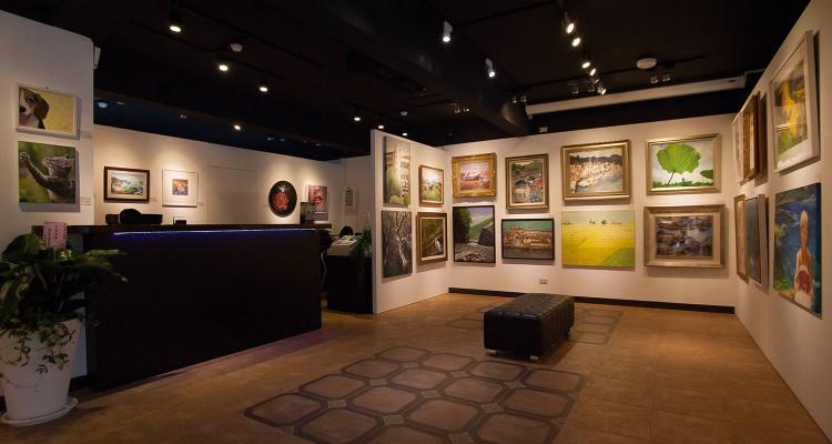 想要先睹為快或是迫不及待的藏家們,10月31日以前可至得藝美術館觀賞預展。