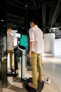 -Inbody身體組成分析儀器,透過儀器檢測身體健康狀況。