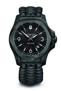 I.N.O.X. Carbon 配黑色傘繩編織錶帶 $33000