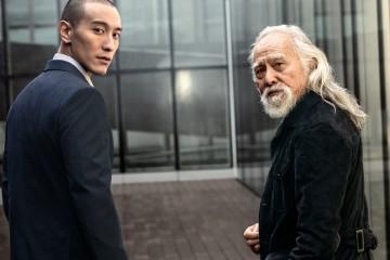 2 王德順(左)及王陽明(右)兩人漫步在米蘭街頭,談論對藝術及夢想的追求與挑戰