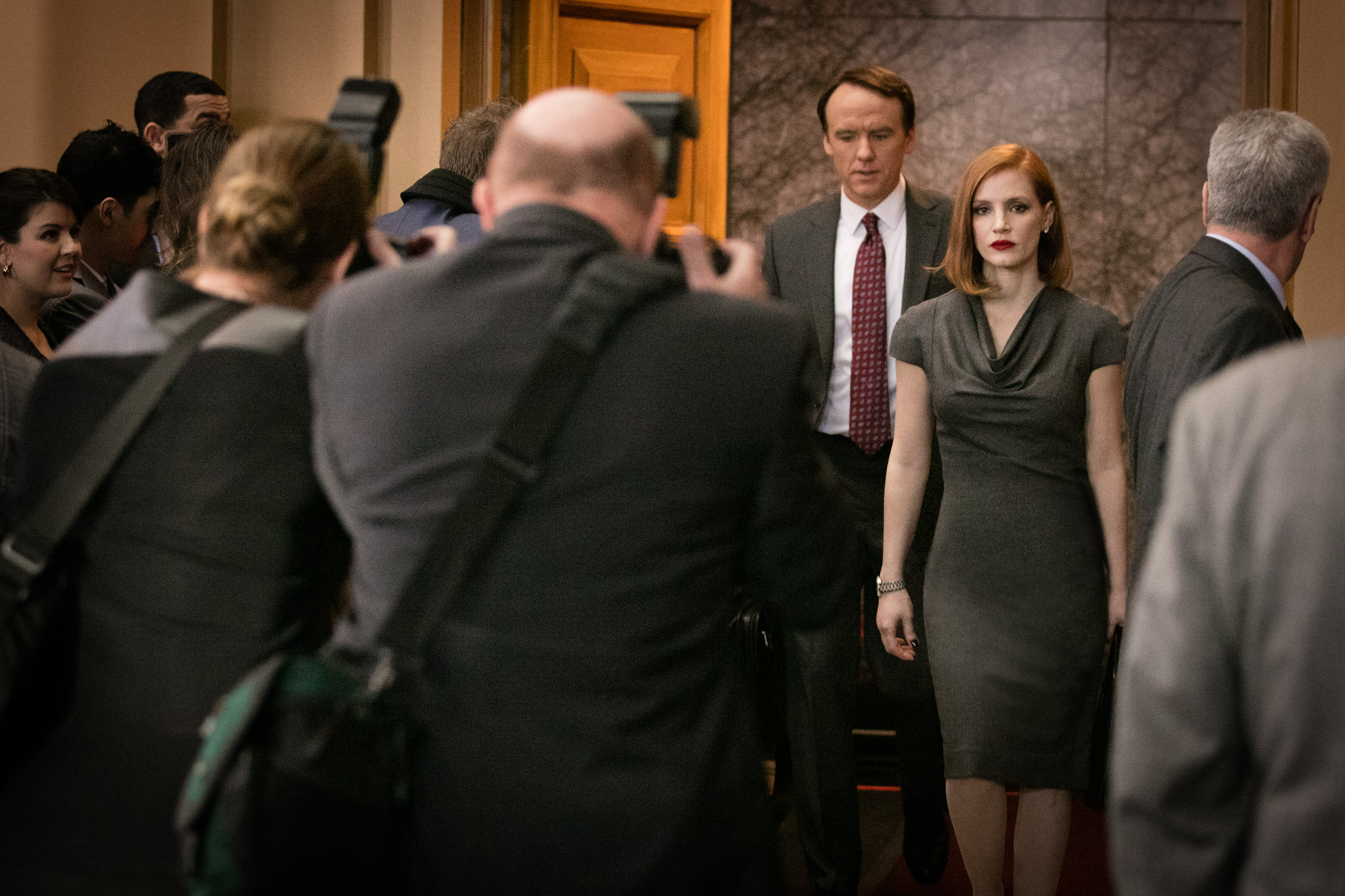 "M8 David Wilson Barnes (left) and Jessica Chastain (right) star in EuropaCorp's ""Miss Sloane"". Photo Credit: Kerry Hayes © 2016 EuropaCorp Ð France 2 Cinema"