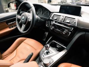 M3與M4相同都配置專屬跑車座椅,細緻的Merino真皮材質帶出高質感。