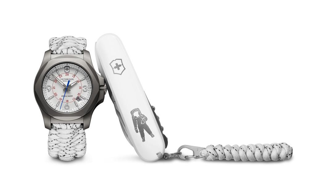 INOX Titanium Sky High泰金屬限量腕錶_獨家太空人瑞士軍刀