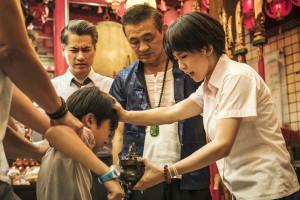 宮廟是台灣獨有的文化特色,靈媒也成為信徒祈求願望實現的靈界代言人。