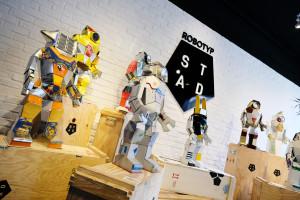 目前MB&F M.A.D.Gallery正在展出 Hervé Stadelmann 機器人雕塑作品。