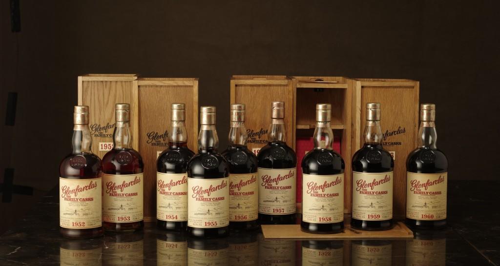 成套Glenfarclas格蘭花格威士忌1950年代家族桶第一版木盒套組。