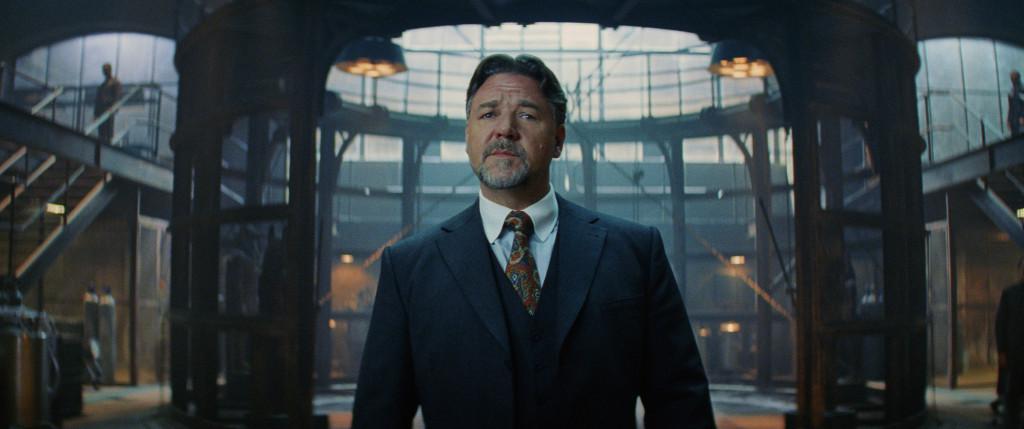 羅素克洛於片中飾演博學多聞的英國紳士,而他所掌管的神魔館目的是... ....?
