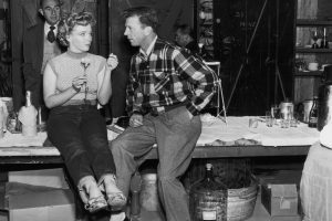 牛仔褲多年歷史,早已不僅是工作褲,在各個時代都留下足跡。/Images of Getty Images