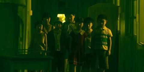 003【死小孩】劇照_本片描述神祕男子可以操控兒童靈魂,將故事導向致命終局