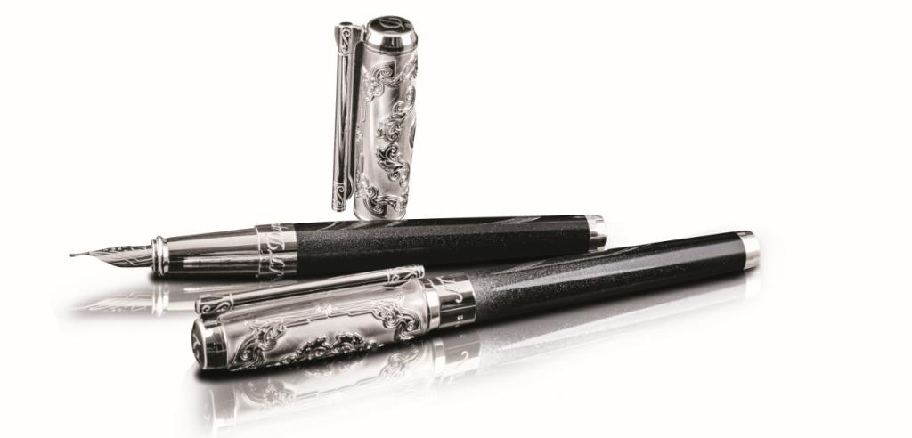 尺寸: 146 x 15.4mm 型號: 410065/售價: NT$48,900 型號: 412065/售價: NT$44,600