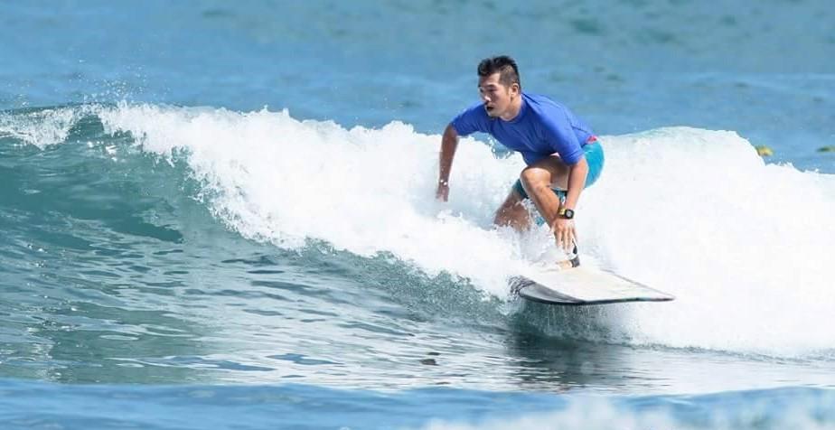 衝浪多年,資深衝浪人George在曾2016年挑戰烏石港衝浪大賽。